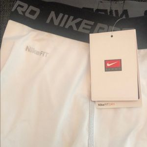 Nike Accessories - Boys XL Nike Pros